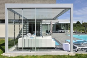 B-200 grey poolhouse glass_BRU0036_resultat
